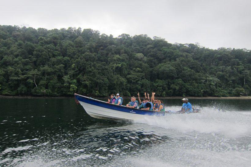 Utria Parque Nacional Arriving Boat